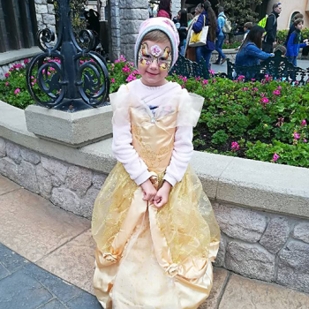 Alina als Prinzessin im Disneyland Paris