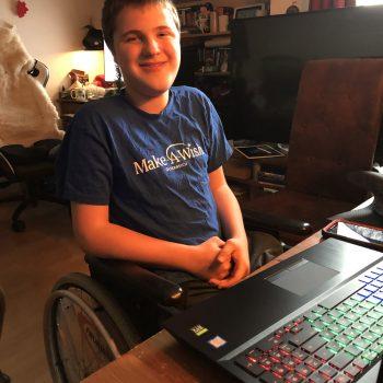 Eric taucht mit seinem neuen PC in die Welt von Minecraft ein