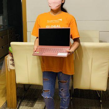 Ein Laptop ist Fatimas Herzenswunsch – und rosa soll er bitte sein