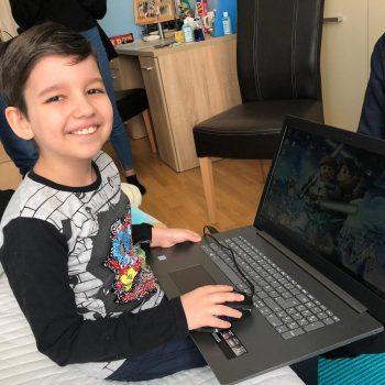 Filip zockt nun auf seinem eigenen Laptop!