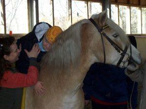 Mara liebt Tiere