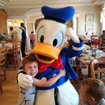 Simon: Auf ins Disneyland Paris!