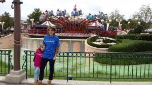 Ana reist nach Paris und besucht Mickey