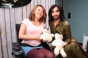 Laura trifft Conchita Wurst