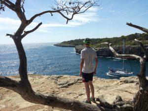 Robin erkundet Mallorca